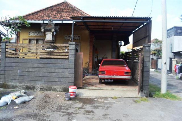 house for rent in Jl. Mahendradata Denpasar – R1037