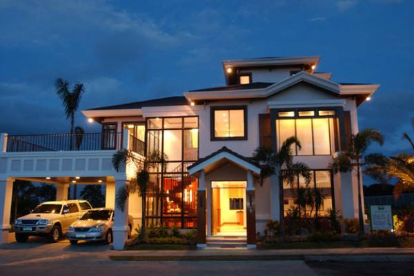 4 Floor House for sale