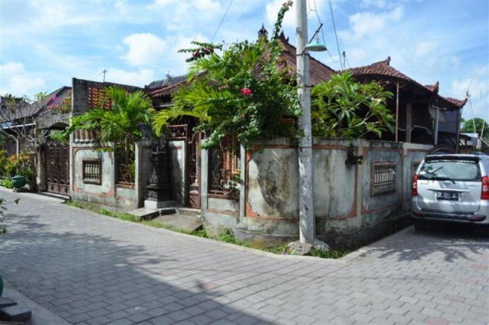 House For Sale in Denpasar by Owner – R1048
