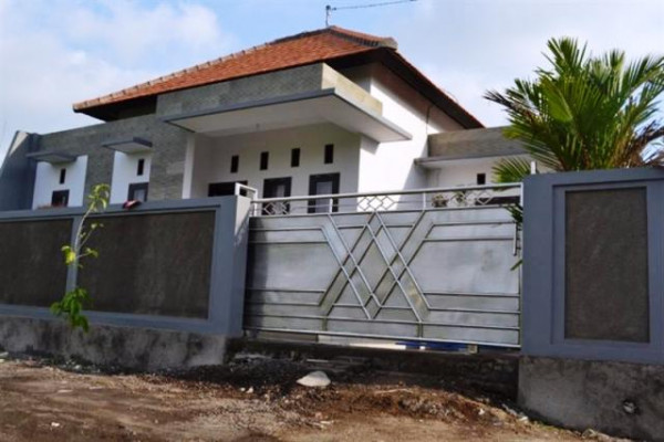 House for sale in Sading Bali