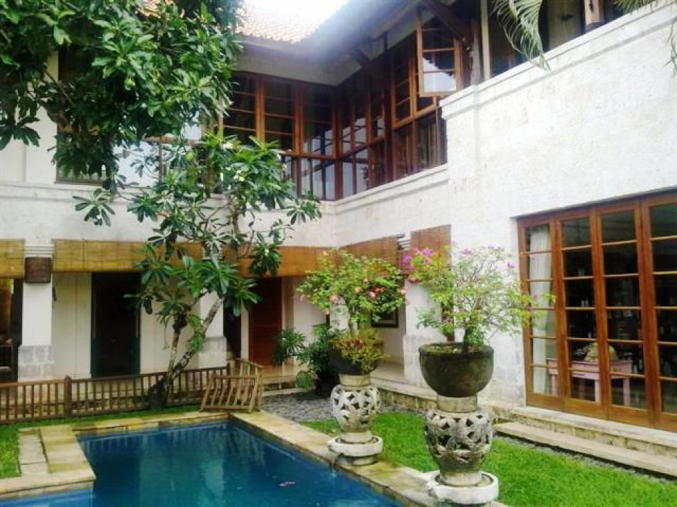 Villa for sale in Jimbaran near four season Resort – VJ1004