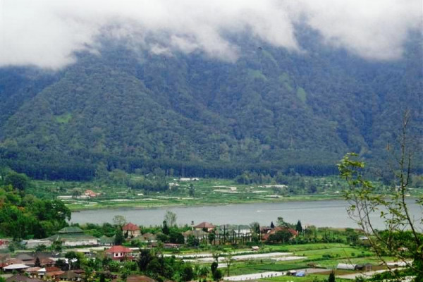 Land for sale in Bedugul Bali refresing lake view – LBE027