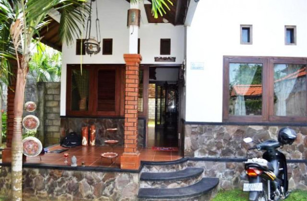 Big House for sale in Nusa Dua Bali – R1017